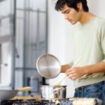 料理が上手い男は仕事もデキるし女性にもモテるって本当?